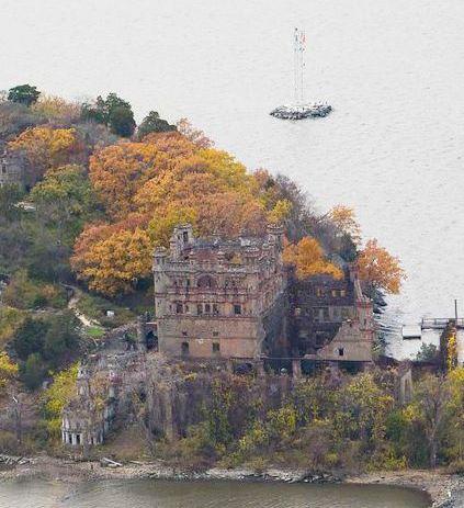 Terbengkalai, 5 Bangunan Mewah Justru Menyeramkan
