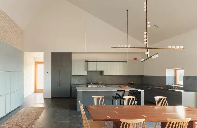 Desain Rumah Modern dengan Cerobong Asap 3 Meter