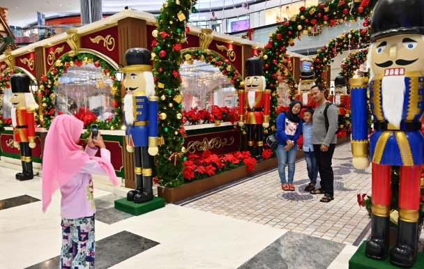 Jelang Natal & Tahun Baru, Perbelanjaan Sepi