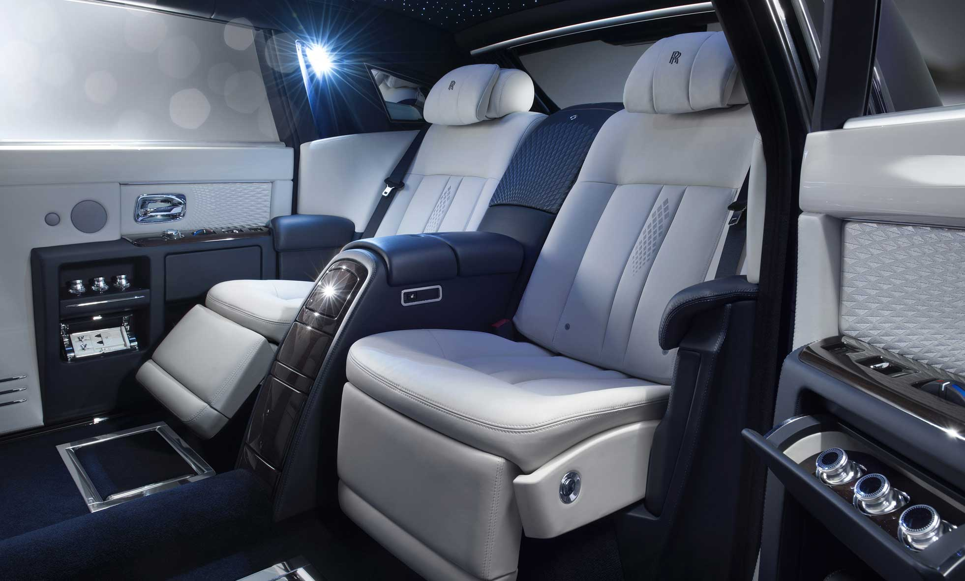 Rolls-Royce Tambahkan Koleksi Bespoke Phantom Dengan Limelight