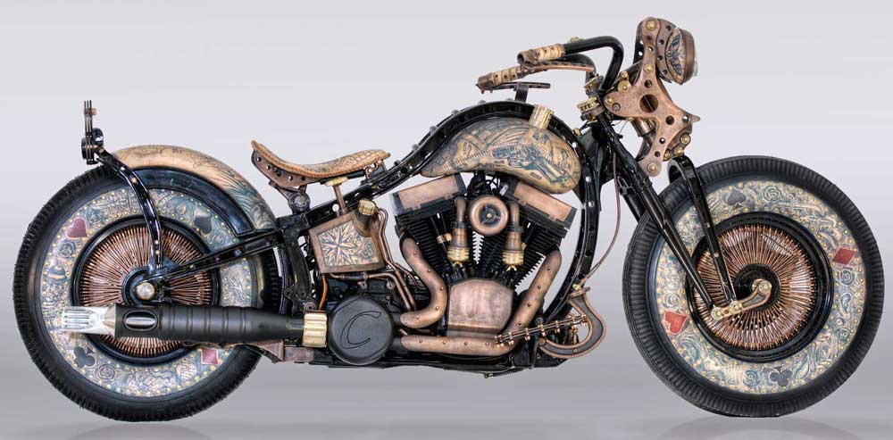 Harley-Davidson Heritage Softail Berlumur Tato