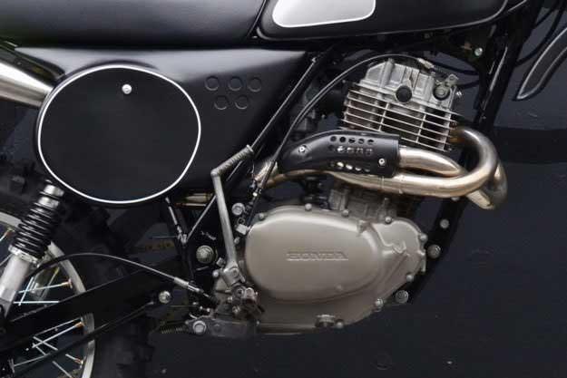 Deus Bangkitkan Motorcross Klasik Honda