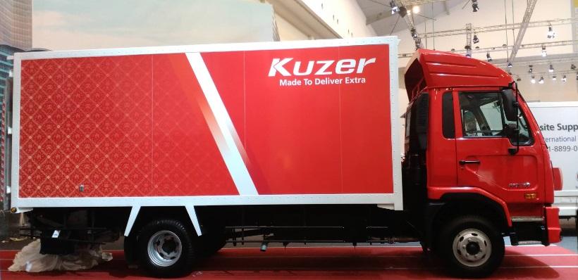 UD Truck Debut Dunia Truk Ringan Kuzer