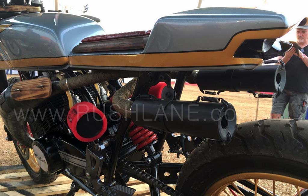 Yamaha RD350, Cafe Racer Nyentrik Bak Anak Panah