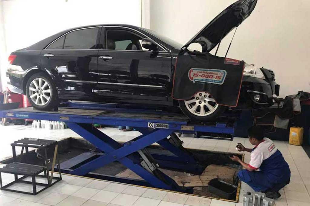 Ceroboh Tangani Camry, Shop & Drive Siap Tanggung Kerusakan