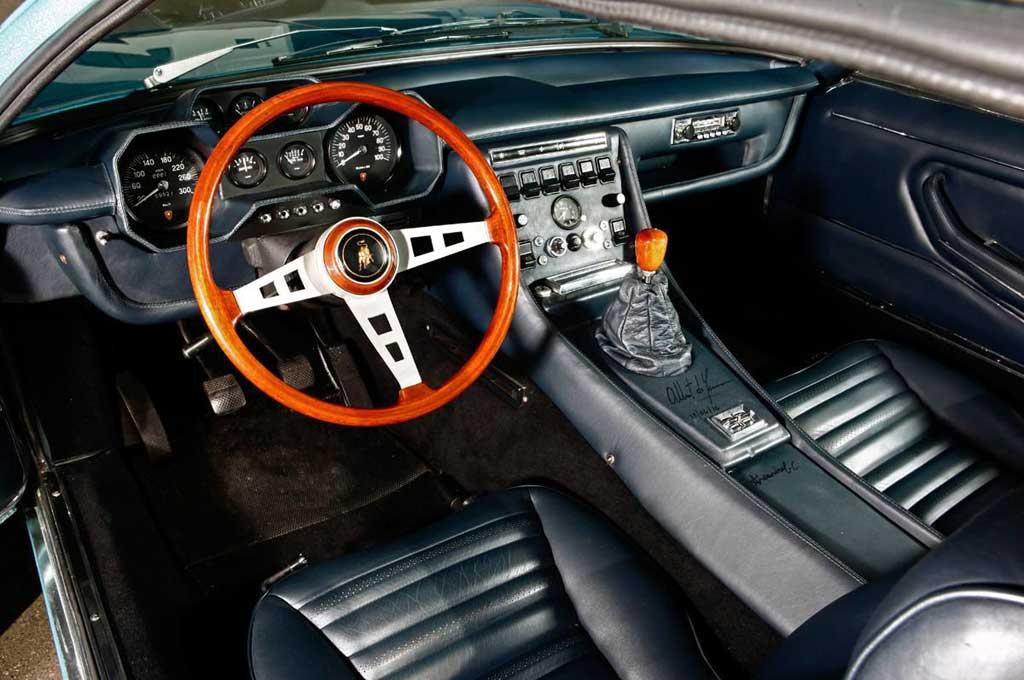 Lamborghini Peringati 50 Tahun Varian Espada Klasik