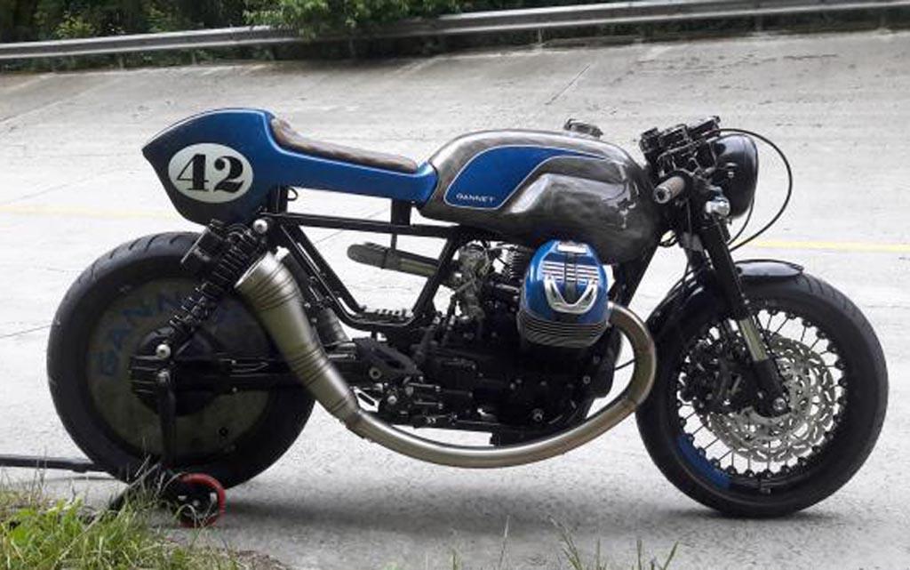Tampilan Sangar Moto Guzzi V9 Bergaya Cafe Racer