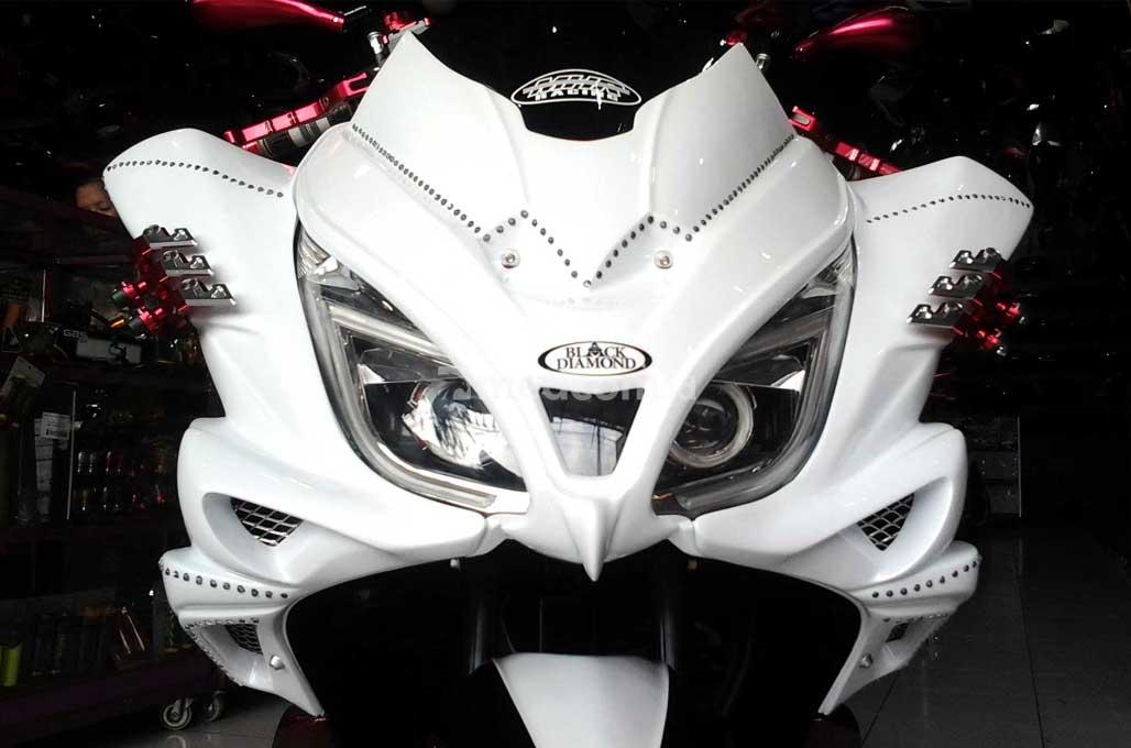 Honda PCX Si 'Burung Hantu' Garapan Hollywood Motor Sports
