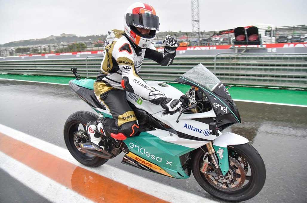 Pembalap Lawas, Jajal Kemampuan Energica Ego MotoE