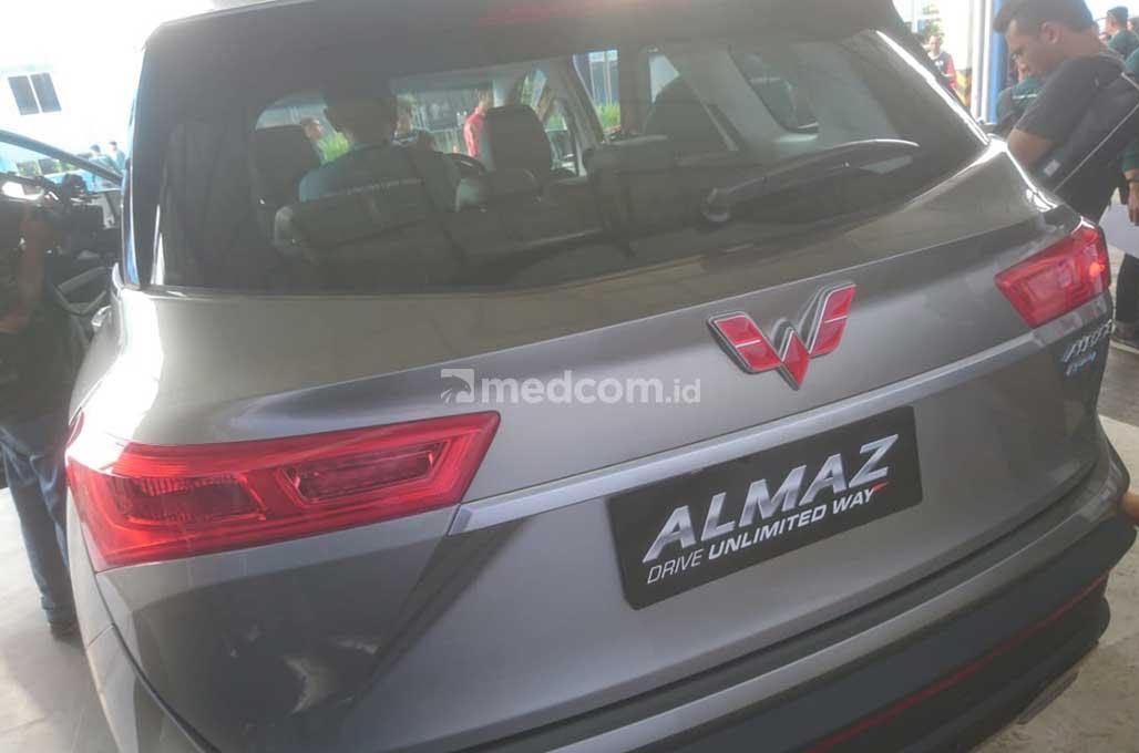 Wuling Almaz, Siap 'Perang' di Segmen SUV Bermesin Kecil