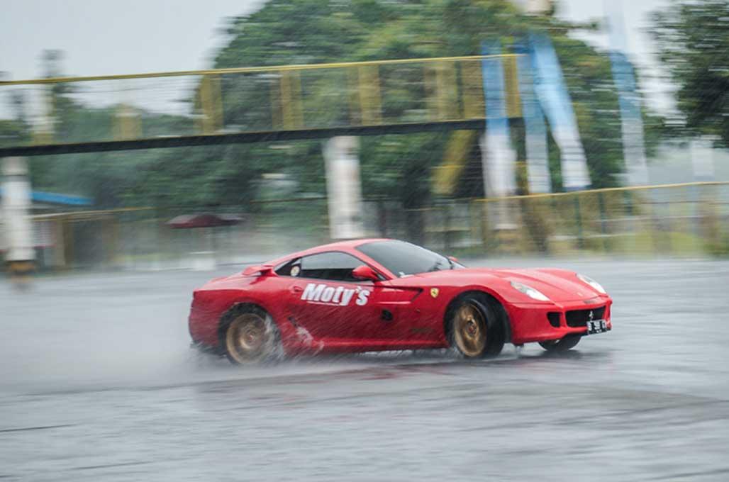 Serunya <i>Safety Driving</i> ala GTR Owner di Sentul