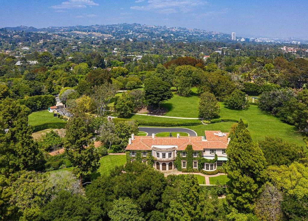 Properti Ikonik di Los Angeles Terjual Rp1,2 Triliun