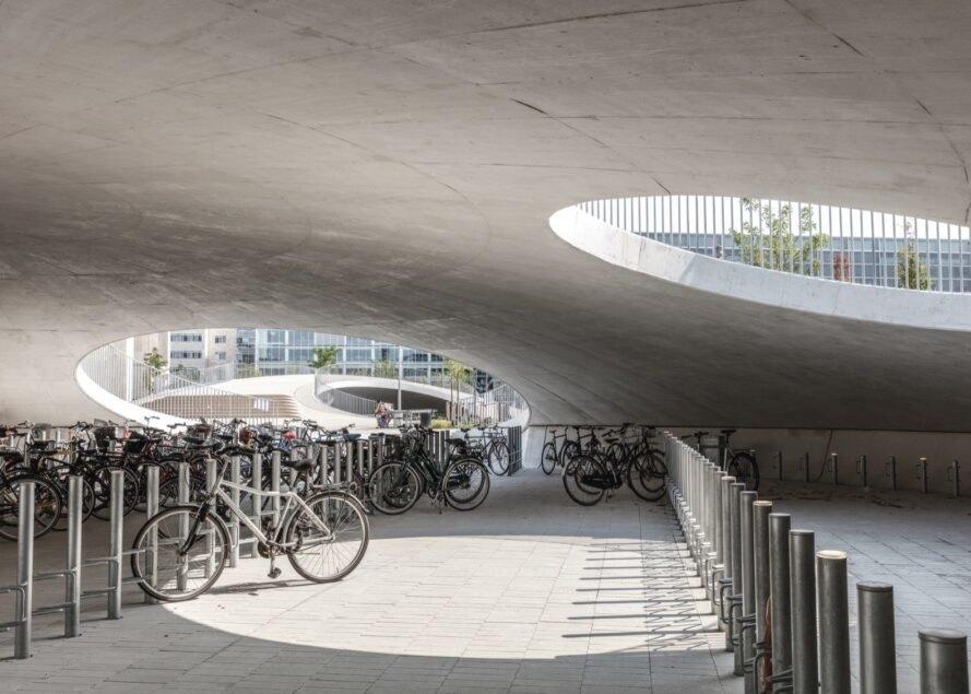 Denmark Bangun 'Cangkang' Raksasa untuk Parkir Sepeda
