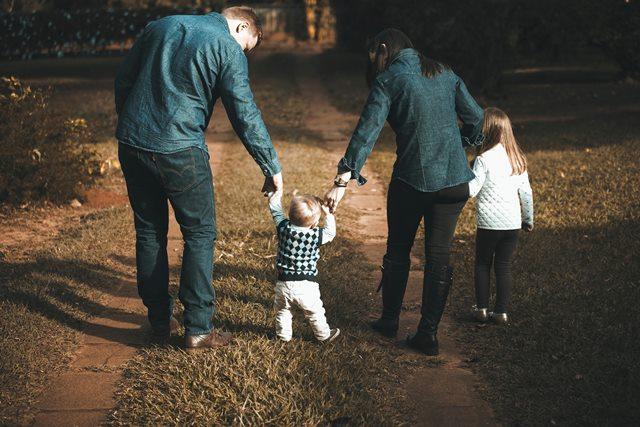Gaya Pengasuhan Pengaruhi Kesehatan Orang Tua