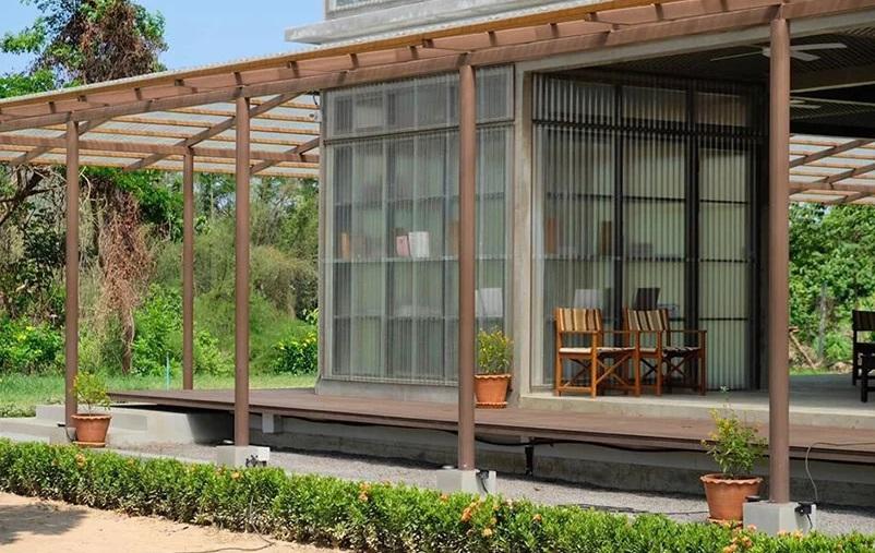 Perpustakaan di Tengah Perkebunan yang Ramah lingkungan