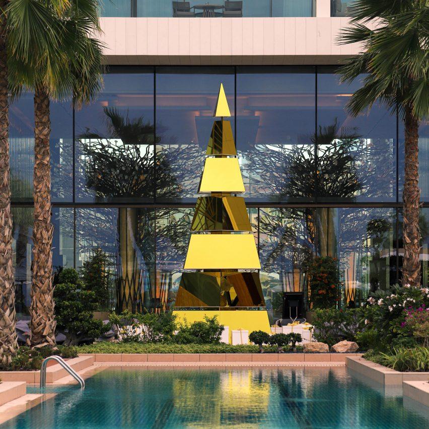 Pohon Natal Unik, dari Daur Ulang hingga Lego
