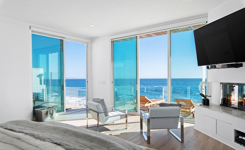 Intip Rumah Pantai Paris Hilton Seharga Rp120 Miliar