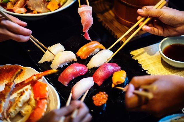 Penyebab Sushi Jadi Tak Menyehatkan