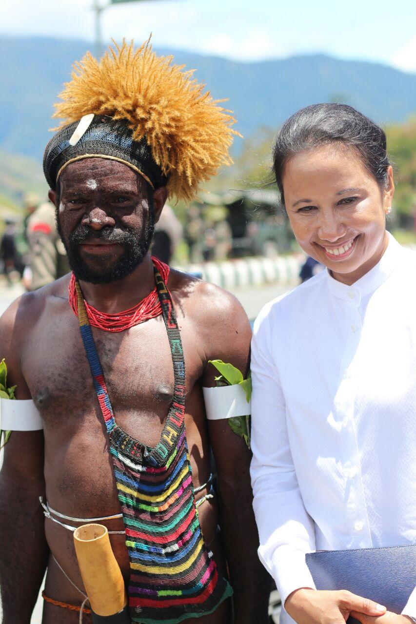 Rini Beberkan Cara Menurunkan Harga Semen di Papua