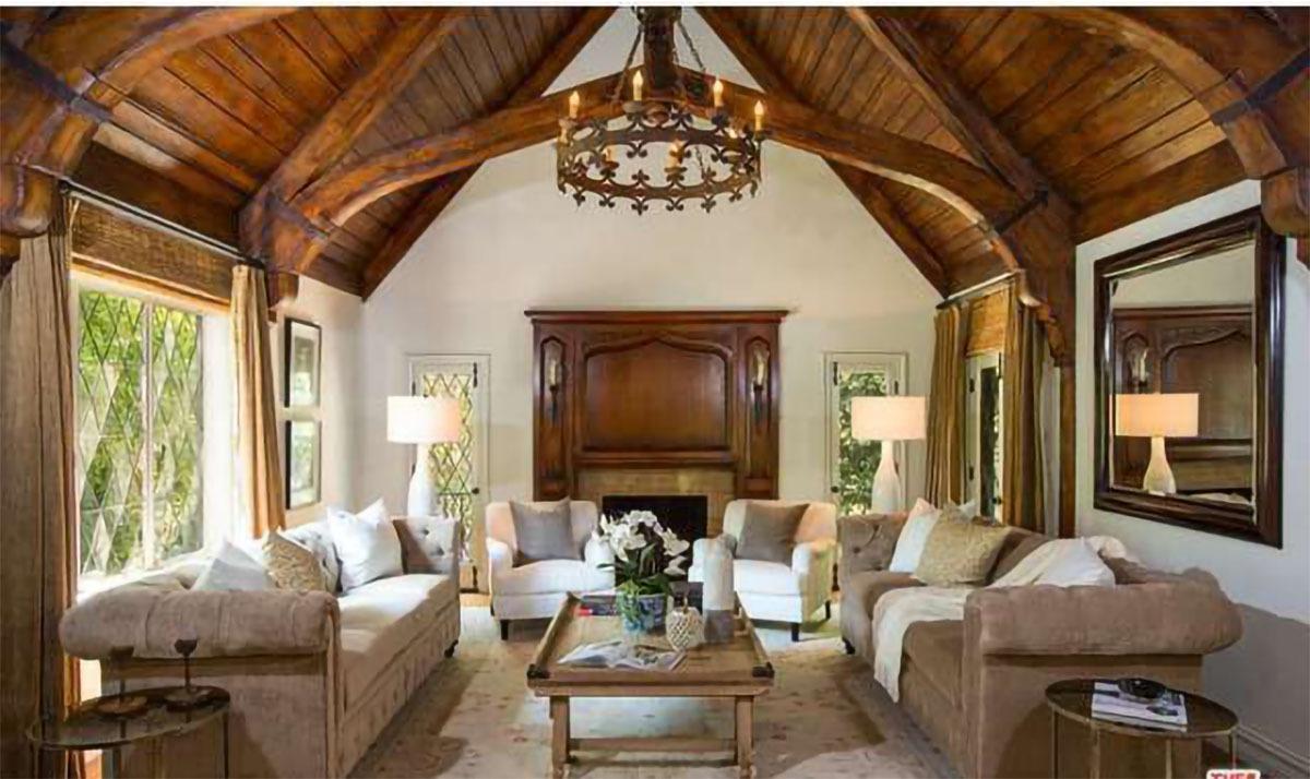 Intip Rumah Baru Rihanna Seharga Rp145 Miliar