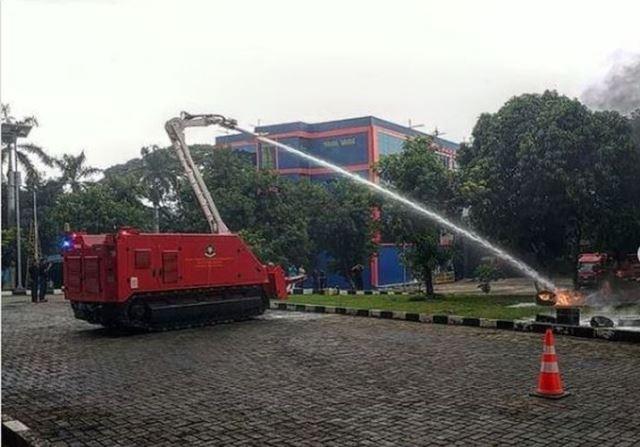 DKI Beli Robot Pemadam Kebakaran Rp37,4 Miliar
