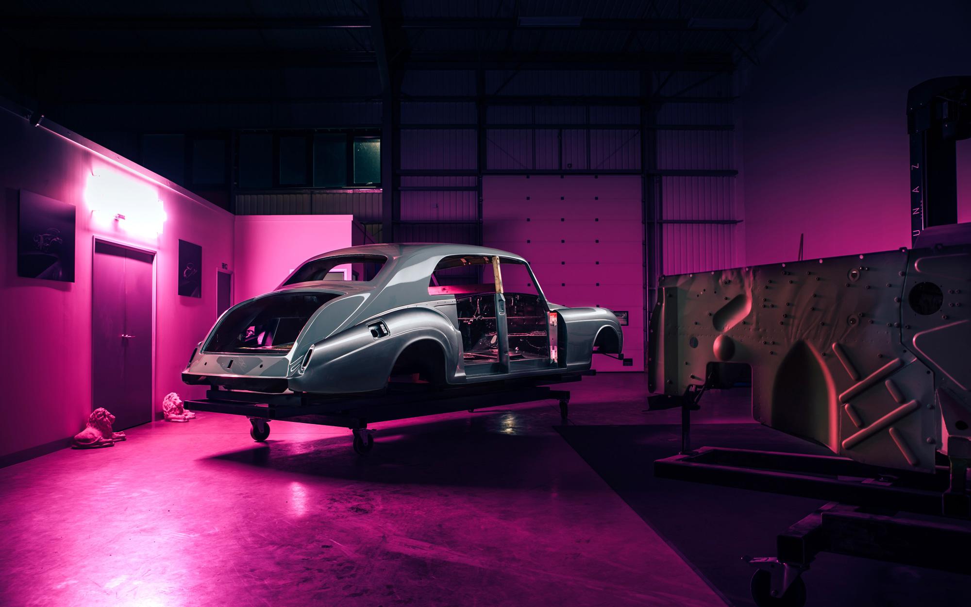 Transformasi Rolls-Royce Phantom Klasik jadi Mobil Listrik