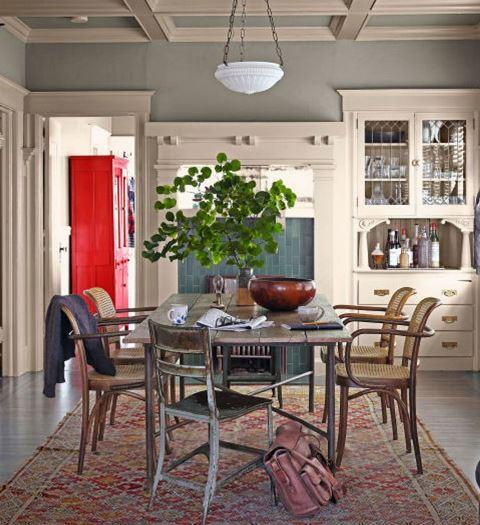 Karpet di Ruang Makan, Perlu atau Tidak?