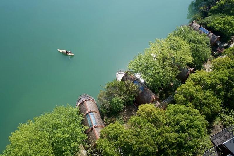 Resort di Tiongkok Tawarkan Sensasi Kamar Mengapung