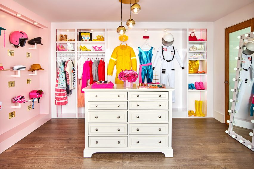 Rumah Barbie Di Pantai Malibu Disewakan Rp844 Ribu