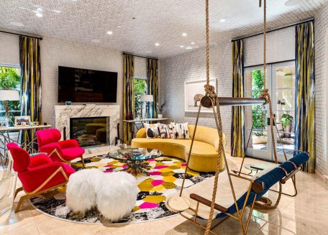 Vila Ini Pernah Dihuni Khloé Kardashian dan Aktris The Big Bang Theory
