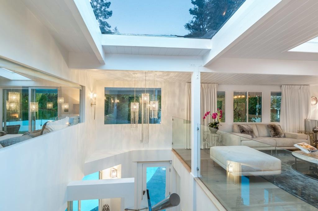 Rumah Ini Pernah Disewa Anne Hathaway hingga Rihanna