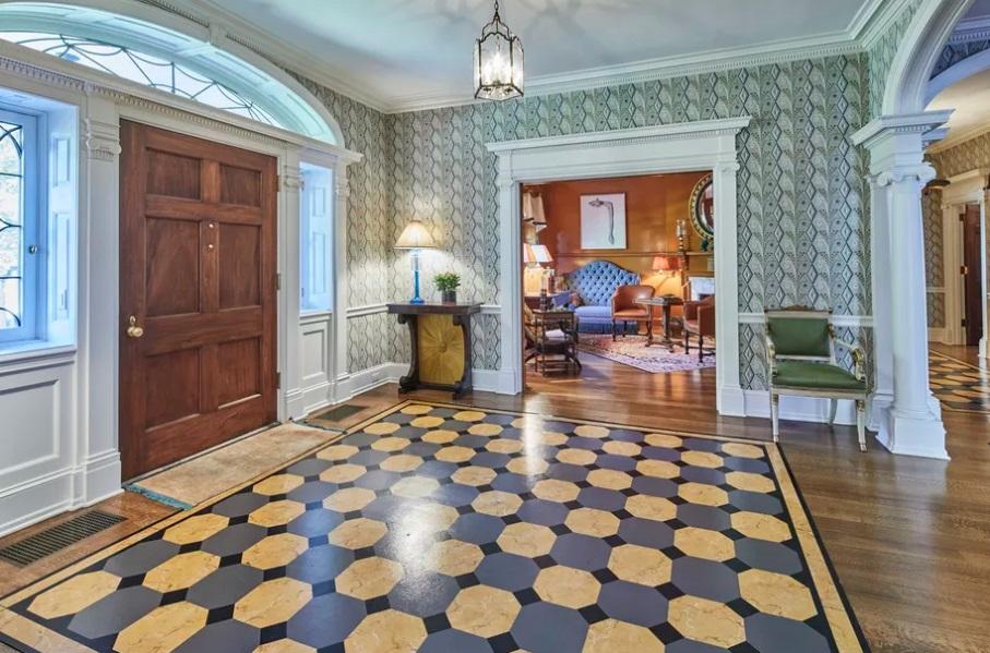 Rumah Ratusan Tahun Dijual Rp49 Miliar