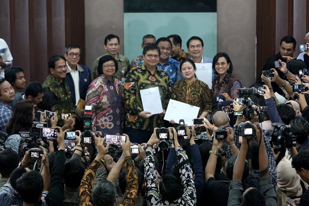 Jokowi Diminta Menarik Kembali Draf RUU Cipta Kerja