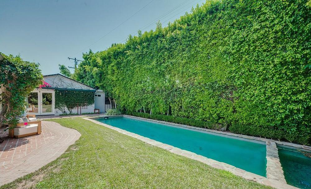 Selena Gomez Jual Rumah Los Angeles Rp35,3 Miliar