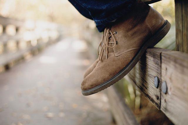 Cara Membersihkan dan Menyemir Sepatu Kulit