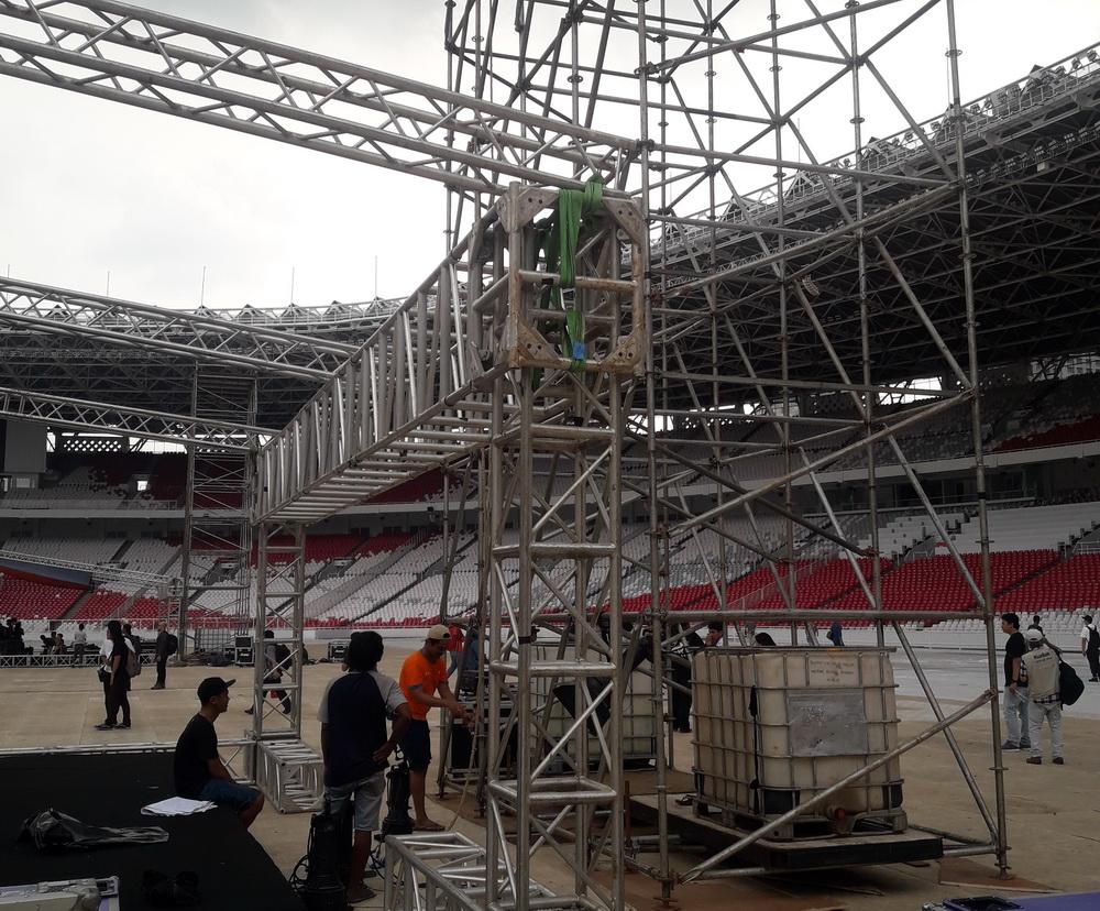 Melihat Panggung Megah Konser 35 Tahun Slank di GBK