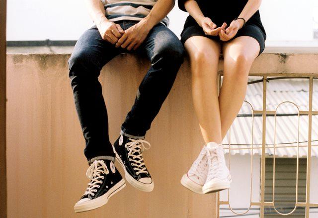 Tips Membersihkan dan Menyimpan Sneaker Putih