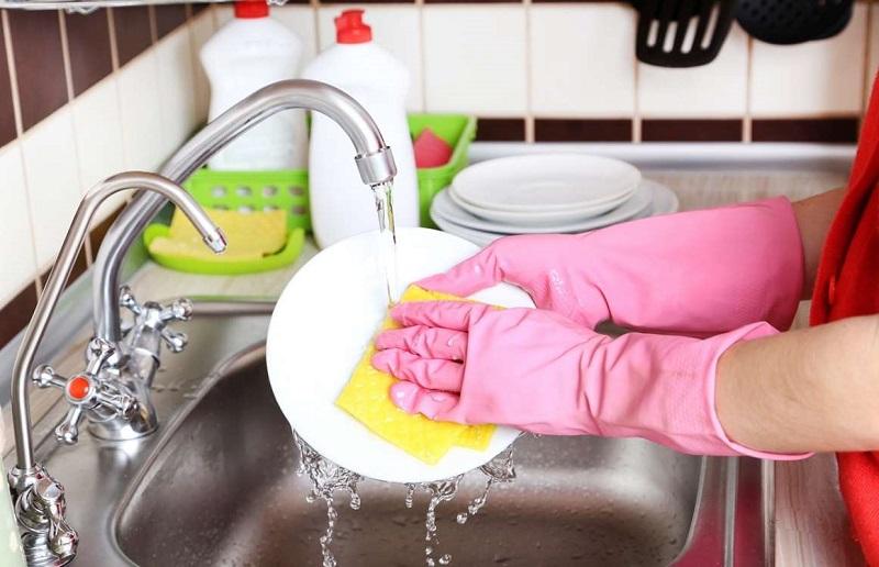 Stop, 5 Kebiasaan Bersihkan Rumah Ini Justru Salah