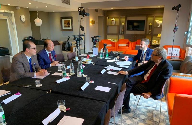 Tahir dan Bill Gates Bergabung Gelontorkan Dana untuk Kemanusiaan