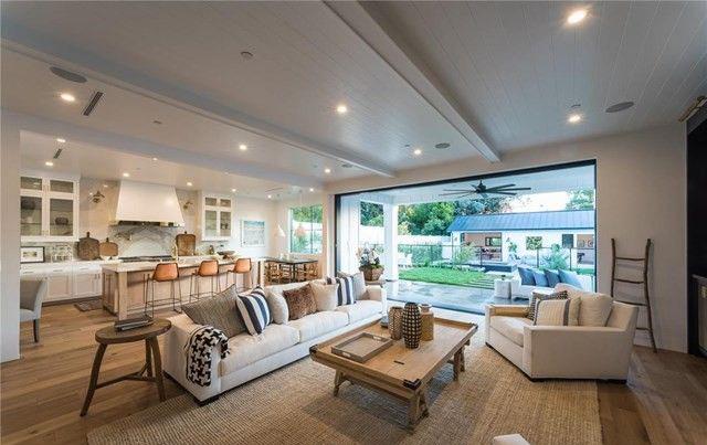Rumah <i>Youtuber</i> Tati Westbrook Senilai Rp47,3 Miliar