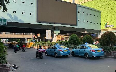 Akses Jalan di Depan Gedung Bawaslu Masih Ditutup