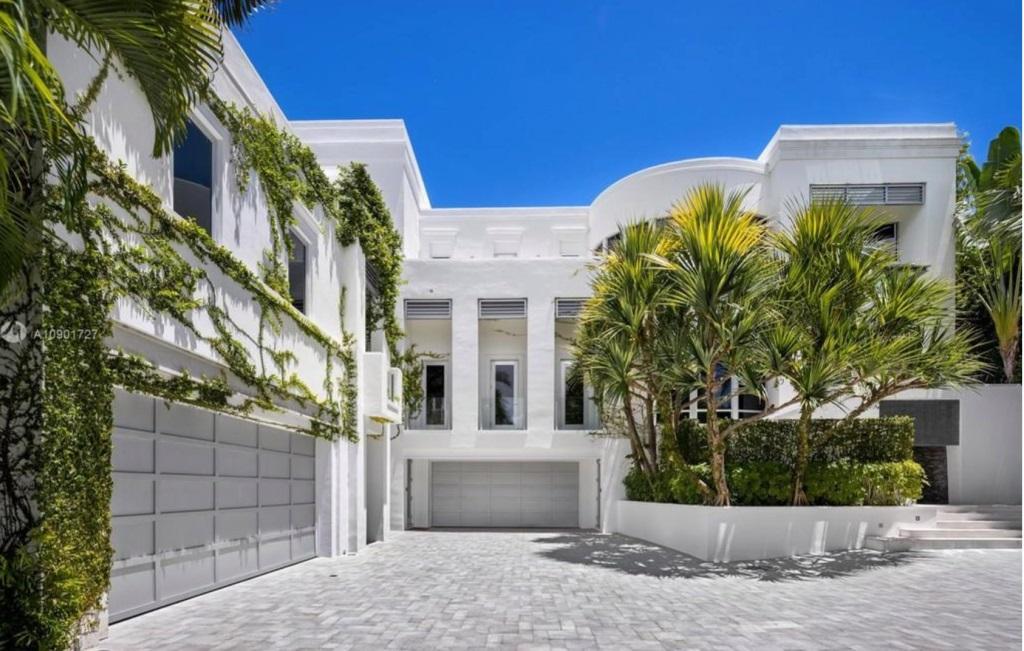 Pemilik Merek Tommy Hilfiger Jual Rumah Pantai Rp362 Miliar