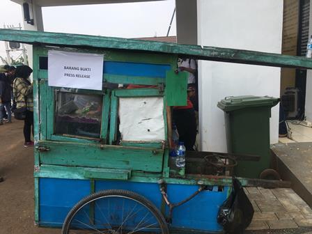 Polisi Tangkap Pencuri Motor yang Menyambi Jual Nasi Goreng