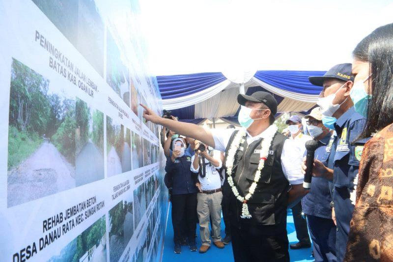 Herman Deru Resmikan Puluhan Infrastruktur di Muara Enim