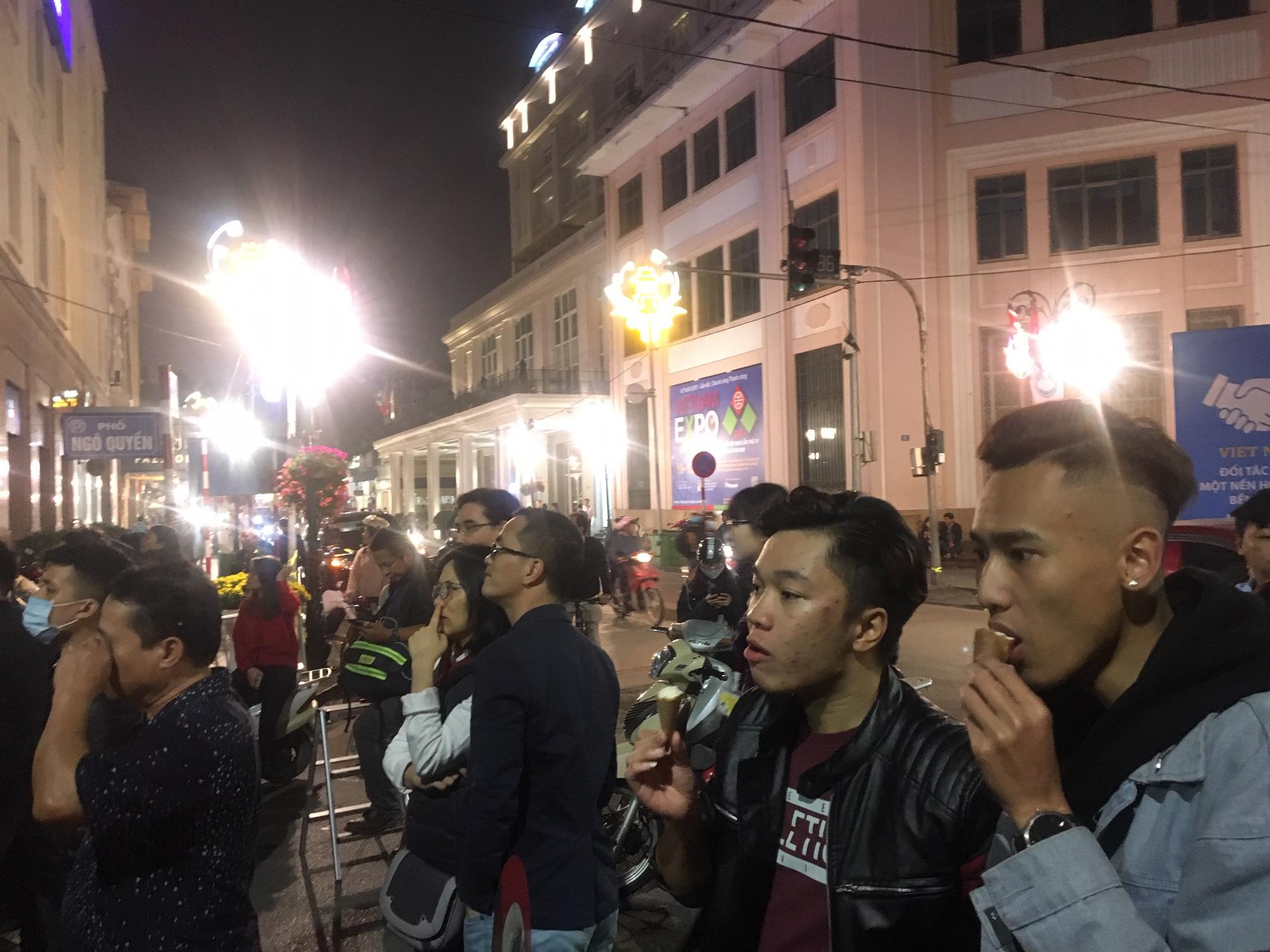 Warga Vietnam Padati Hotel Tempat Trump-Kim Makan Malam