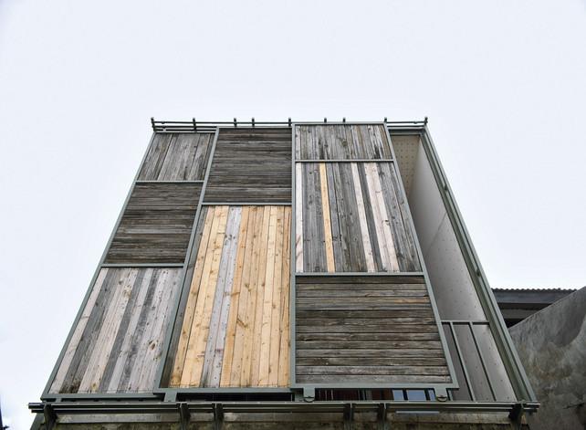 'Rumah Panggung' Modern, Jejak Djuhara di Pemukiman Padat