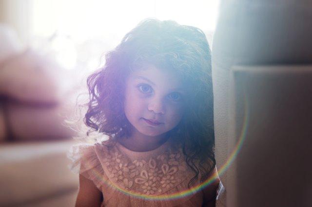 Tips Menjadikan Si Kecil Anak yang Bahagia